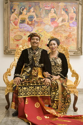 Rudana & wife in Balinese Costume